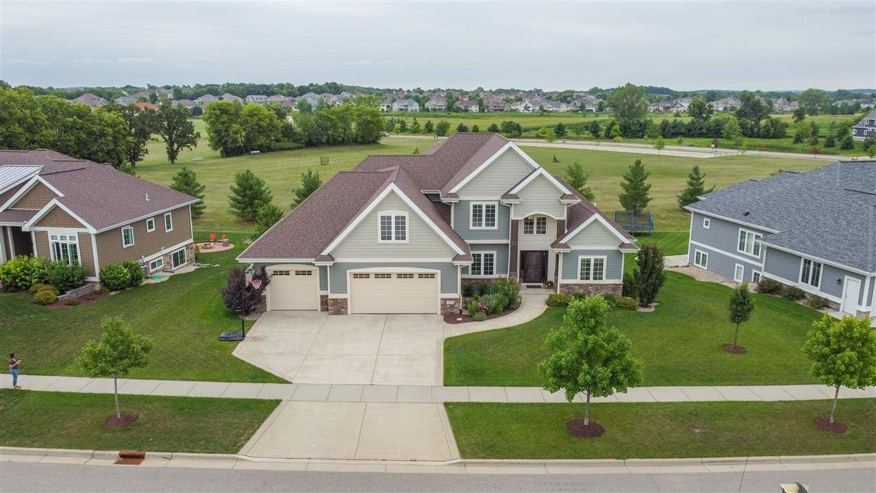 Photo for 1309 Tierney Dr, Waunakee, WI 53597 (MLS # 1915342)