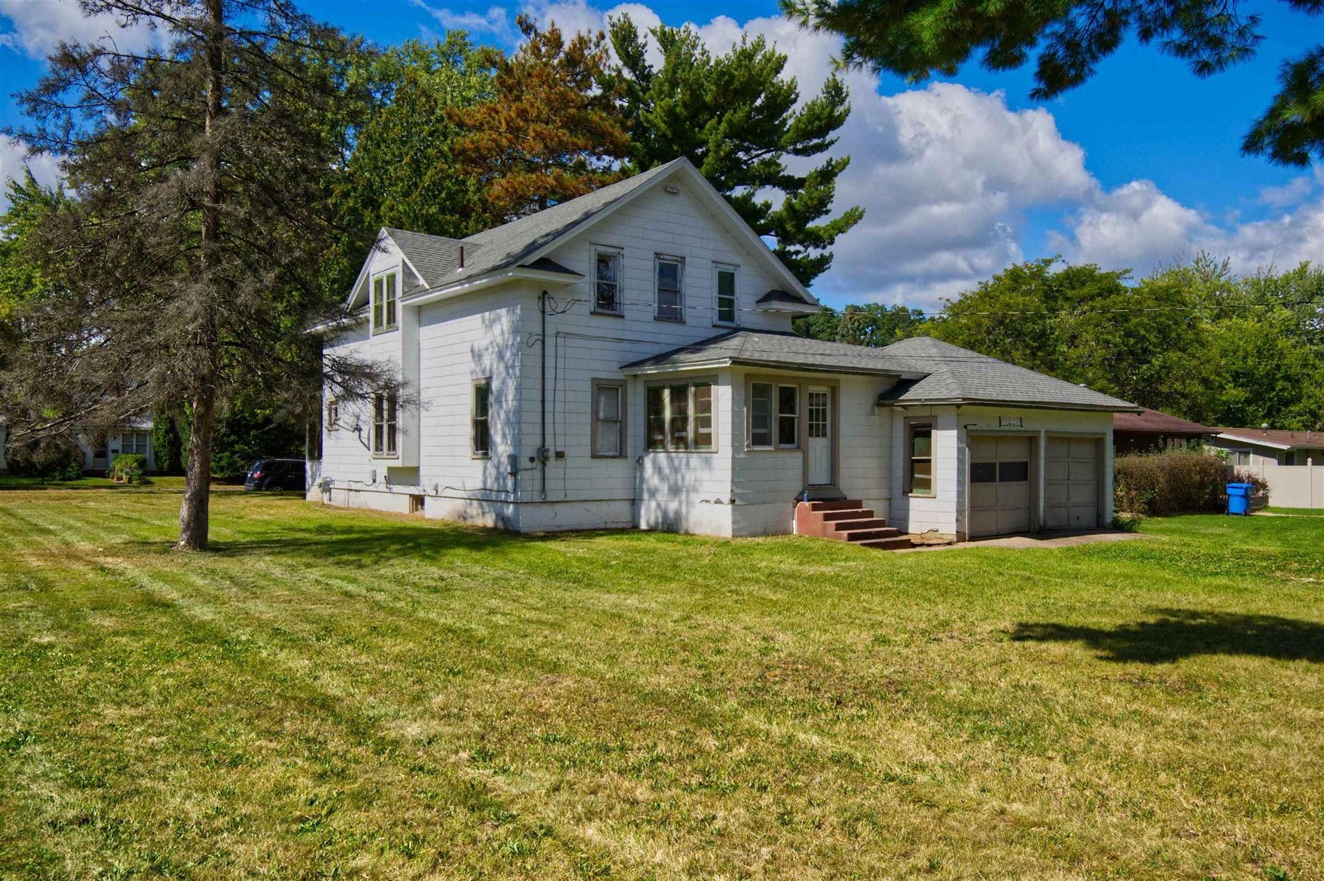 1104 Vine St, Wisconsin Dells, WI 53965 - #: 1920344