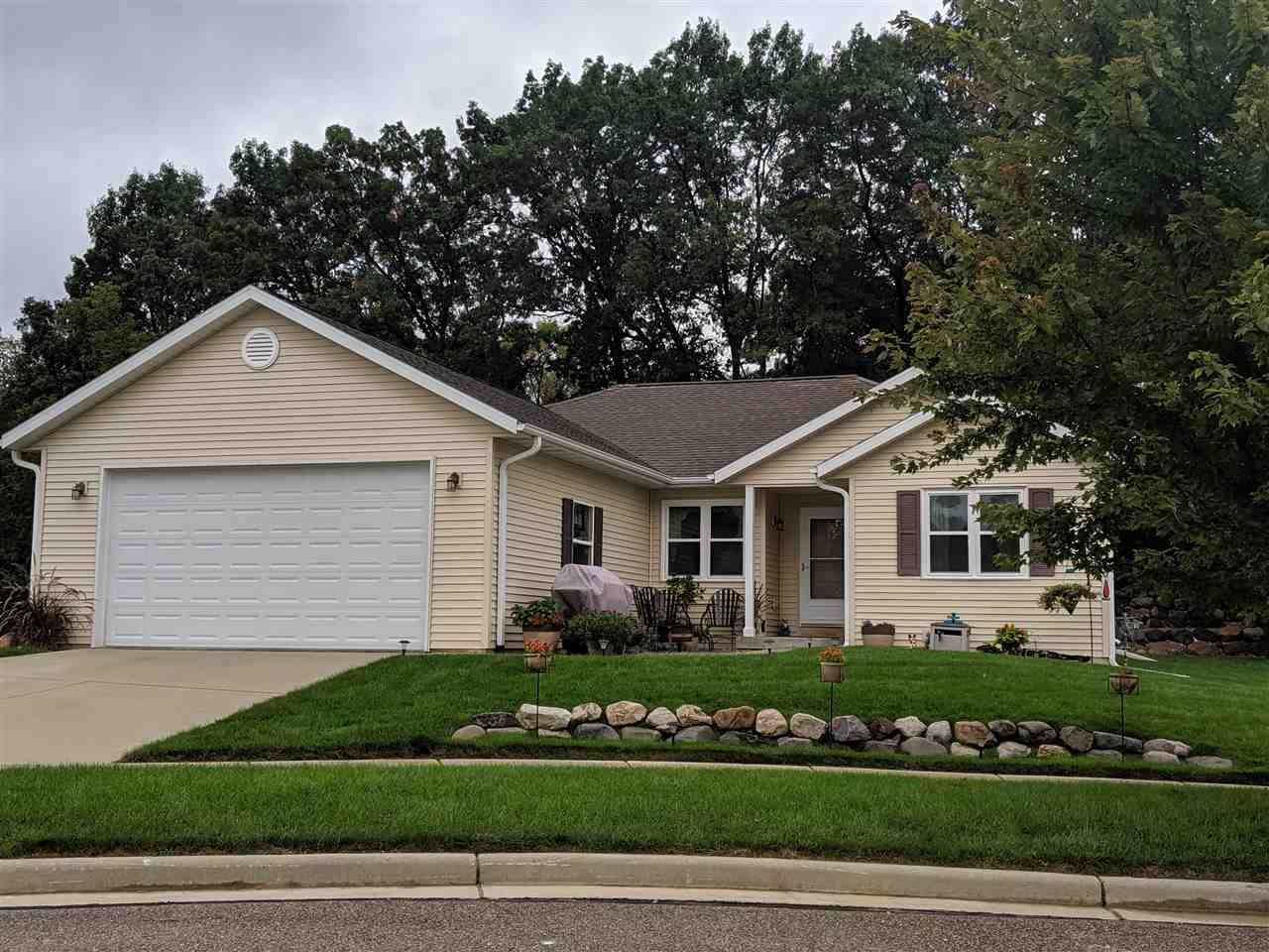 652 Lakeview Ave, Merrimac, WI 53561 - #: 1876346