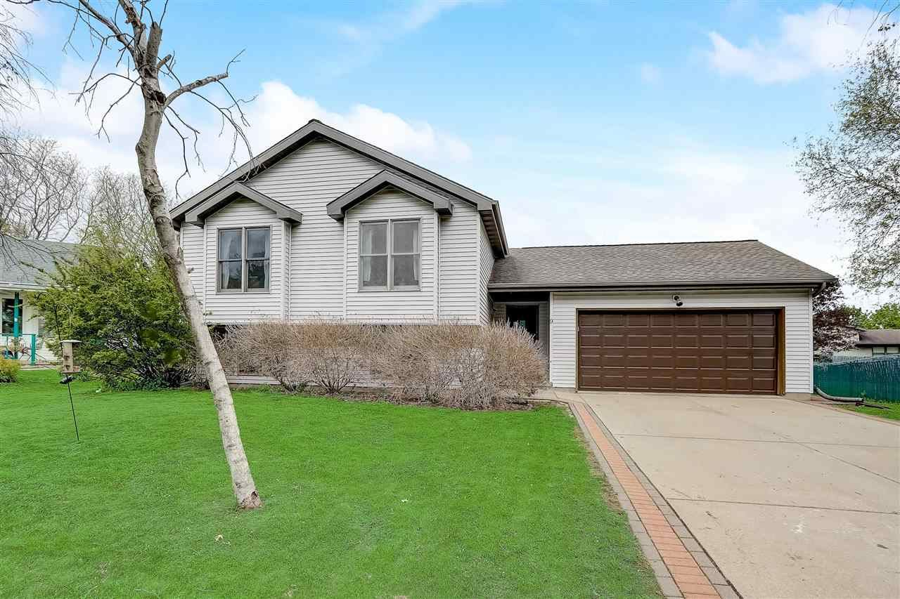 9 Buhler Ct, Madison, WI 53704 - #: 1908348