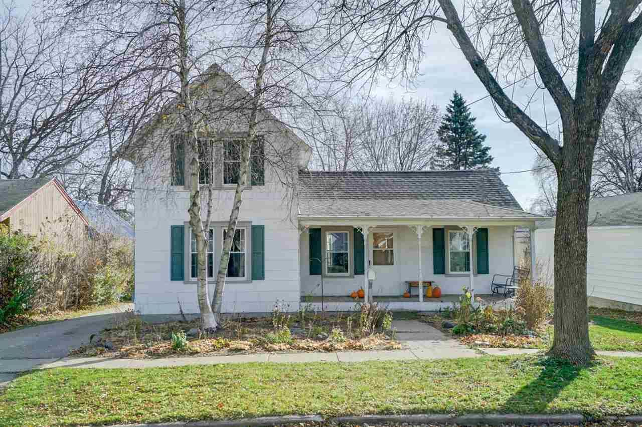 625 S Main St, Columbus, WI 53925 - #: 1897349