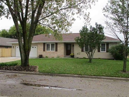 Photo of 2525 Winthrop Dr, Janesville, WI 53546 (MLS # 1875351)