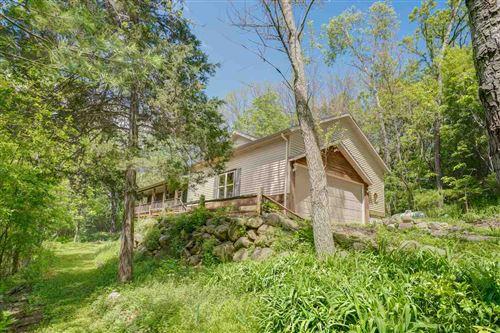 Photo of W3284 Buffalo Hills Rd, Pardeeville, WI 53954 (MLS # 1884353)