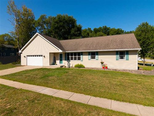 Photo of 205 Sterling Dr, Edgerton, WI 53534 (MLS # 1890353)