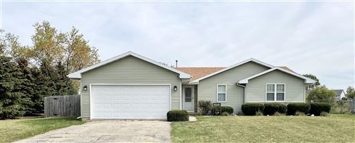 Photo of 2418 Pine View Ln, Janesville, WI 53546 (MLS # 1920353)