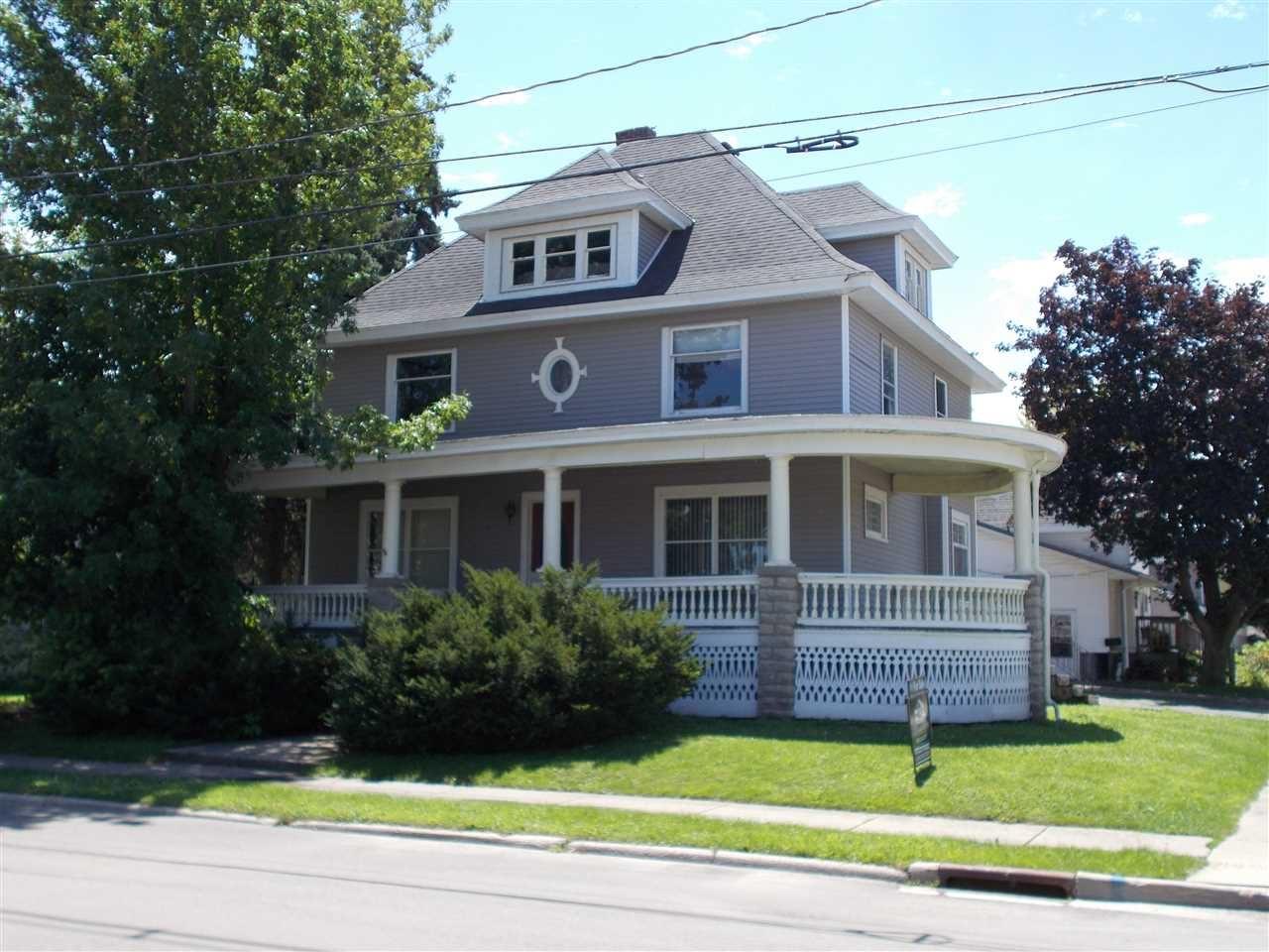 303 E Jefferson St, Waupun, WI 53963 - #: 1889357