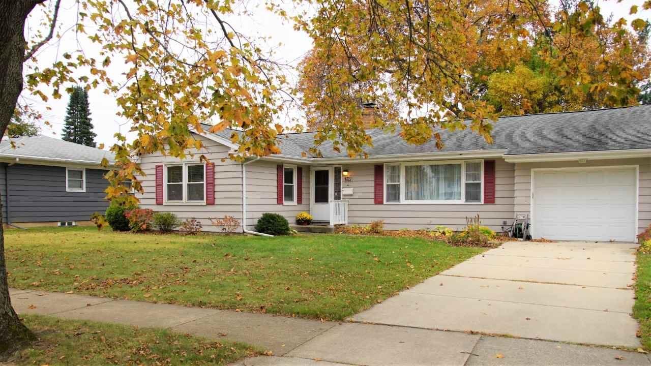 4329 Somerset Ln, Madison, WI 53711 - #: 1896357