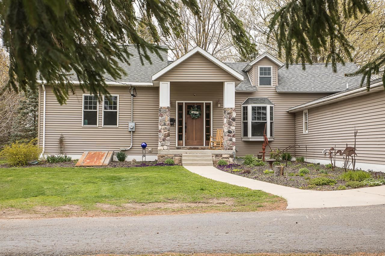 N1502 Poeppel Rd, Fort Atkinson, WI 53538 - #: 374359