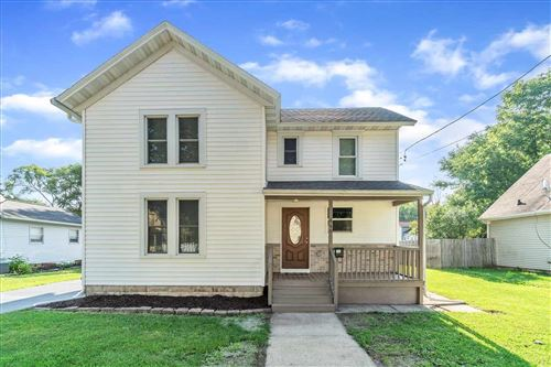 Photo of 440 N Chatham St, Janesville, WI 53548 (MLS # 1916360)