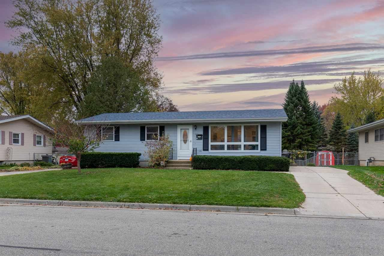 809 West St, Stoughton, WI 53589 - #: 1896369