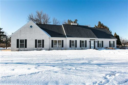 Photo of 110 E Knollwood Way, Platteville, WI 53818 (MLS # 1877371)