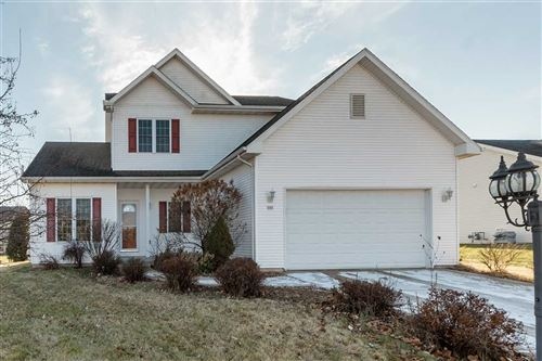Photo of 305 E Amber Dr, Whitewater, WI 53190-2214 (MLS # 1874374)