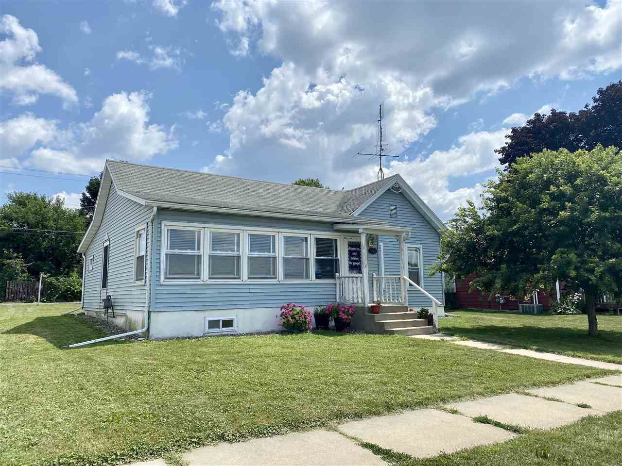 1018 29th Ave, Monroe, WI 53566 - #: 1916374
