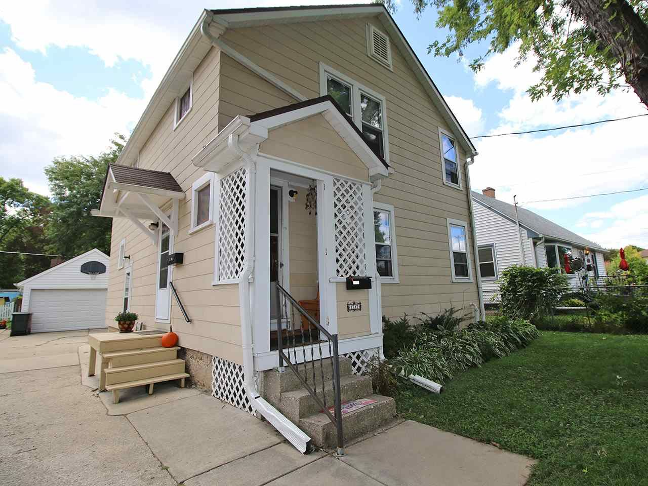 1717 Winchester St, Madison, WI 53704 - #: 1893375