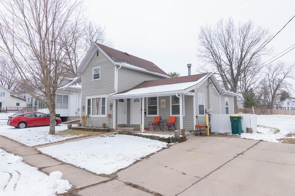 f_1904376 Multi-Family Properties for Sale in Edgerton