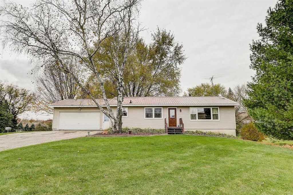 4901 Creek Haven Rd, Cottage Grove, WI 53527 - #: 1871377