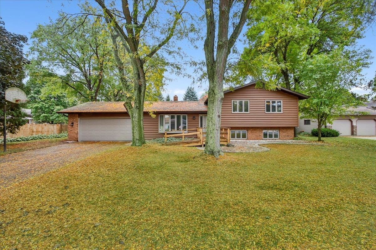 5313 Valley Dr, McFarland, WI 53558 - #: 1921377