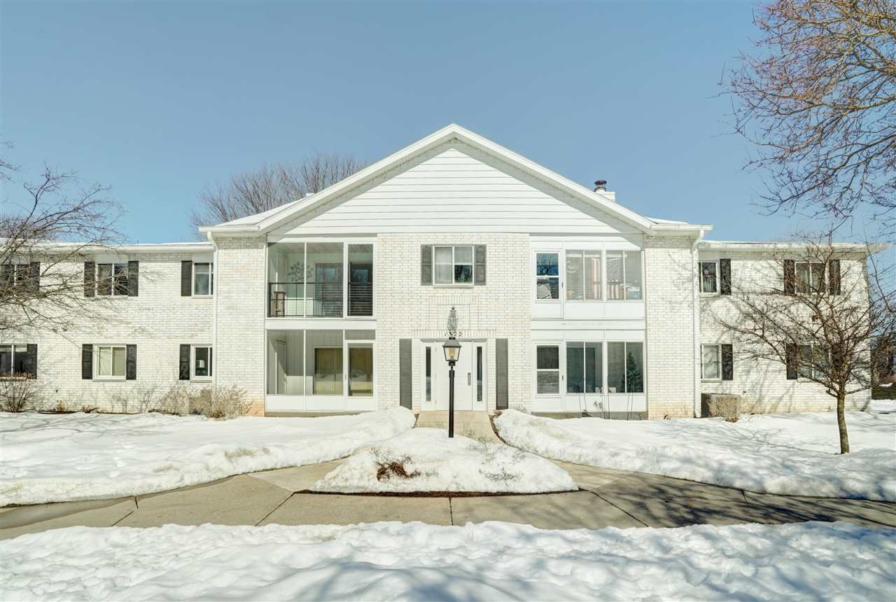 1522 Golf View Rd #E, Madison, WI 53704 - #: 1901378