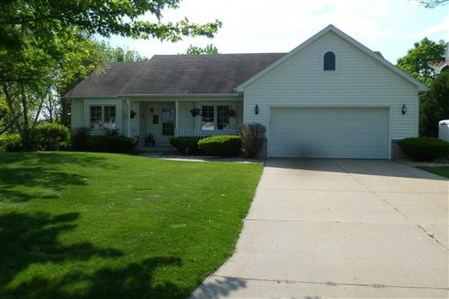 Photo of 829 Anna Ct, Waterloo, WI 53594 (MLS # 1884379)