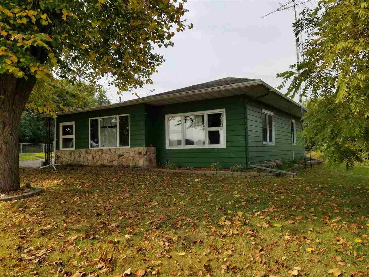 f_1894379_01 Our Listings at Best Realty of Edgerton