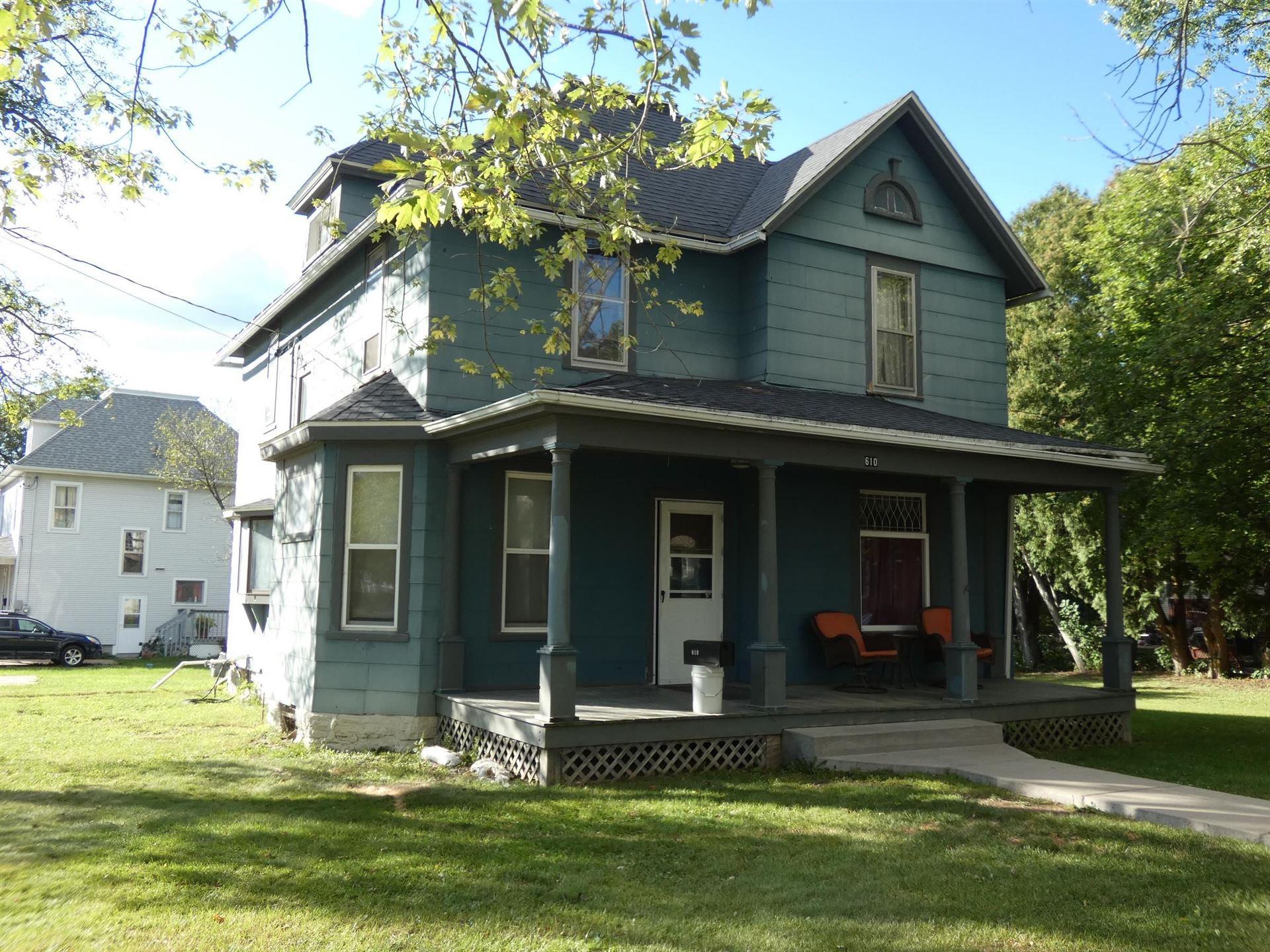 610 N 4th St, Platteville, WI 53818 - #: 1920379