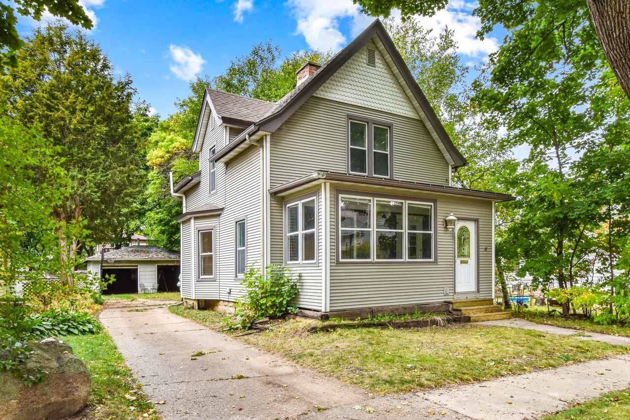 Photo for 210 Dixon St, Madison, WI 53704 (MLS # 1921380)