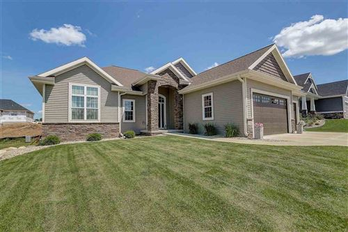 Photo of 6586 Wolf Hollow Rd, Windsor, WI 53598 (MLS # 1887383)