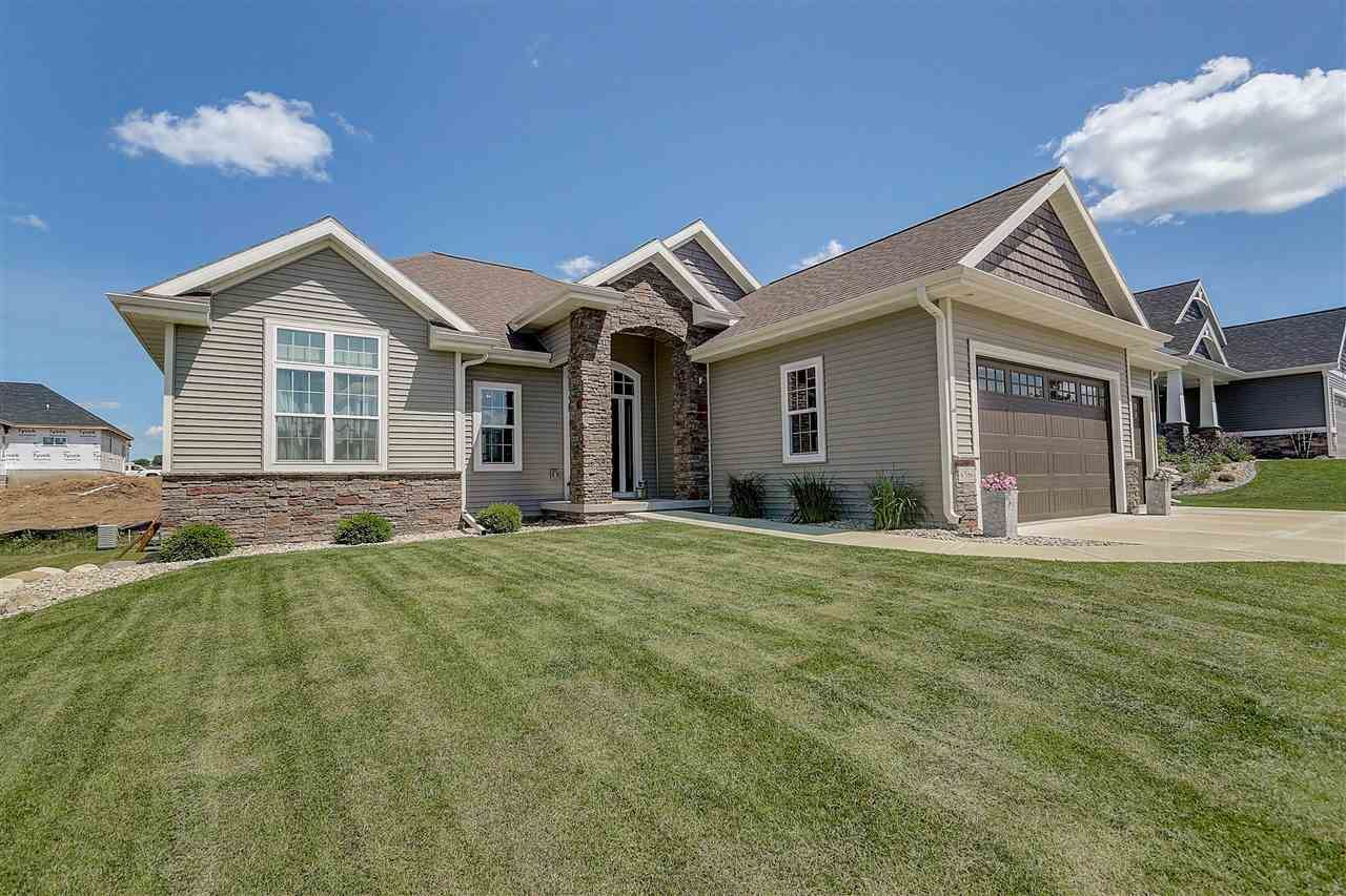 6586 Wolf Hollow Rd, Windsor, WI 53598 - #: 1887383