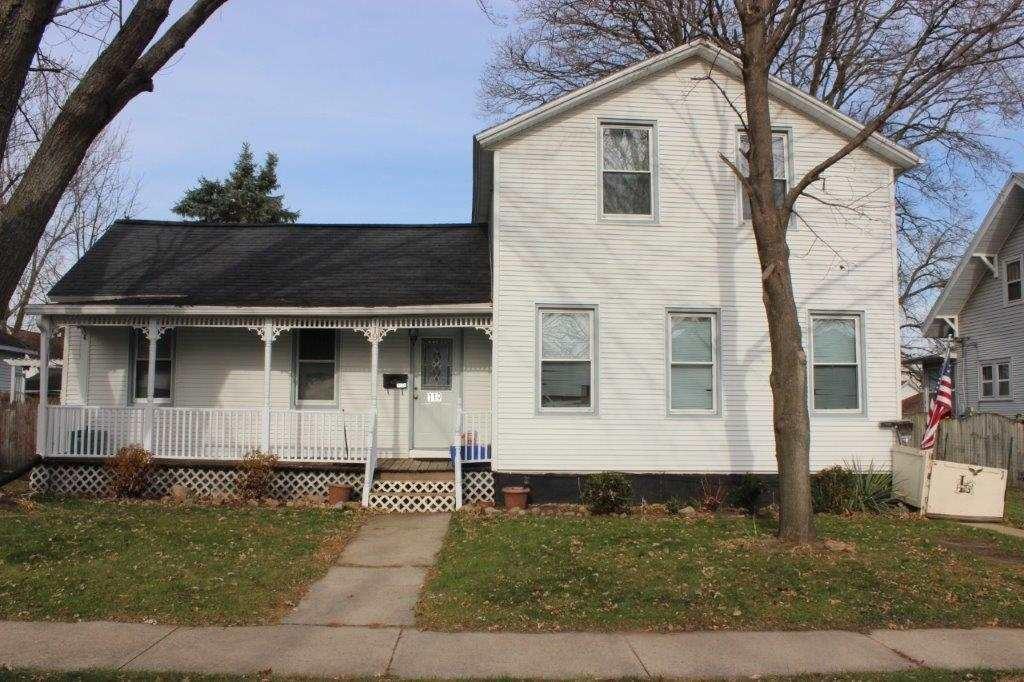 119 E Howard St, Portage, WI 53901 - #: 1898383