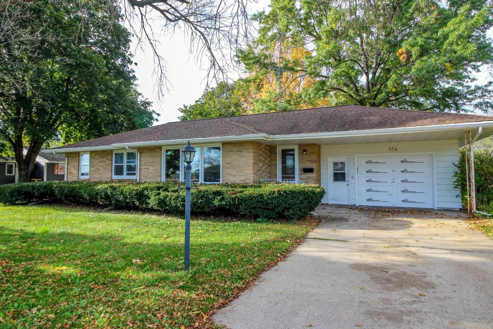 814 N 4th St, Fort Atkinson, WI 53538-1924 - #: 1922384