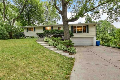 Photo of 3110 Elm Ln, Middleton, WI 53562 (MLS # 1890385)