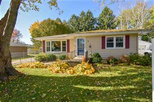 Photo of 118 Lincoln Ave, Stoughton, WI 53589 (MLS # 1871386)