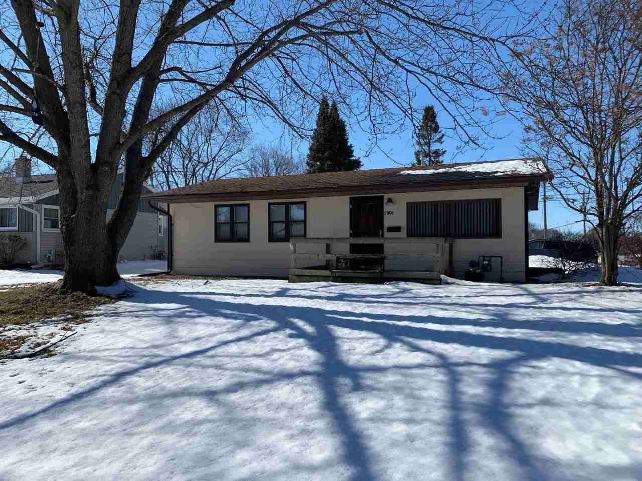 2006 S Grant Ave, Janesville, WI 53546 - #: 1877386