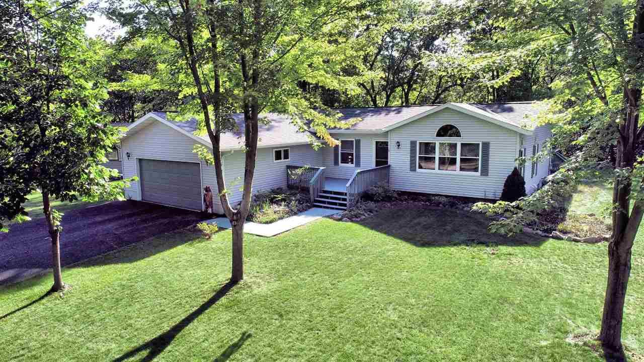 158 Hill Pl, Wisconsin Dells, WI 53965 - #: 1895389