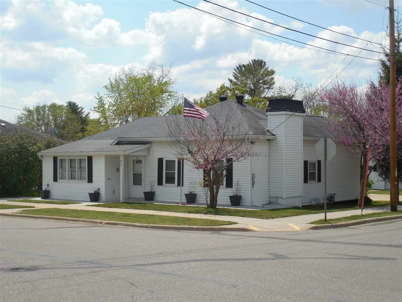 903 Hollister Ave, Tomah, WI 54660-1933 - #: 1909392