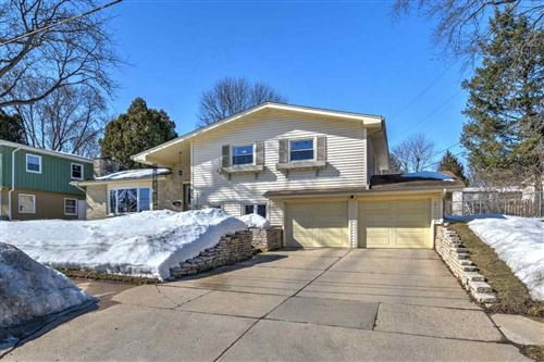 Photo of 826 S Midvale Blvd, Madison, WI 53711 (MLS # 1903393)