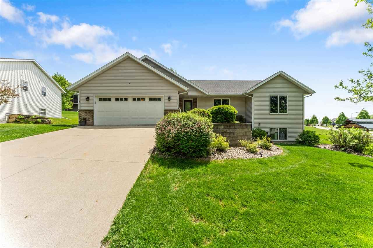 517 Lucky Tr, Mount Horeb, WI 53572 - #: 1884393