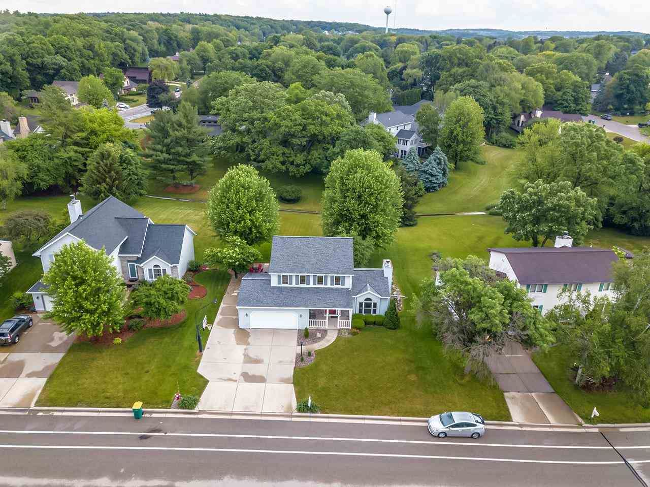 Photo for 734 Basswood Ave, Verona, WI 53593 (MLS # 1911393)