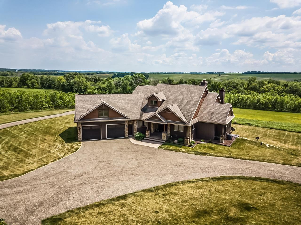 Photo for N8217 County Road X, Belleville, WI 53508 (MLS # 1921394)