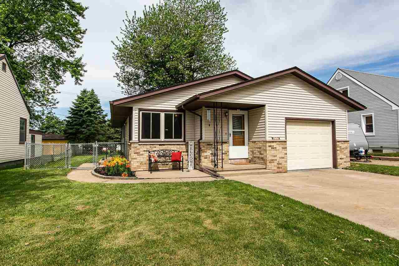 255 N center st, Dickeyville, WI 53808 - #: 1911398