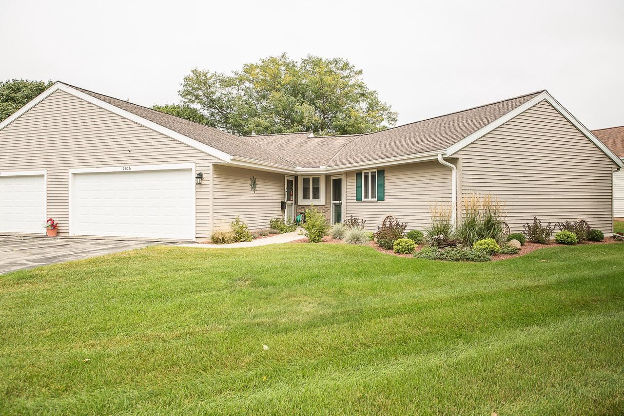 1506 Raveen St, Fort Atkinson, WI 53538 - #: 377399