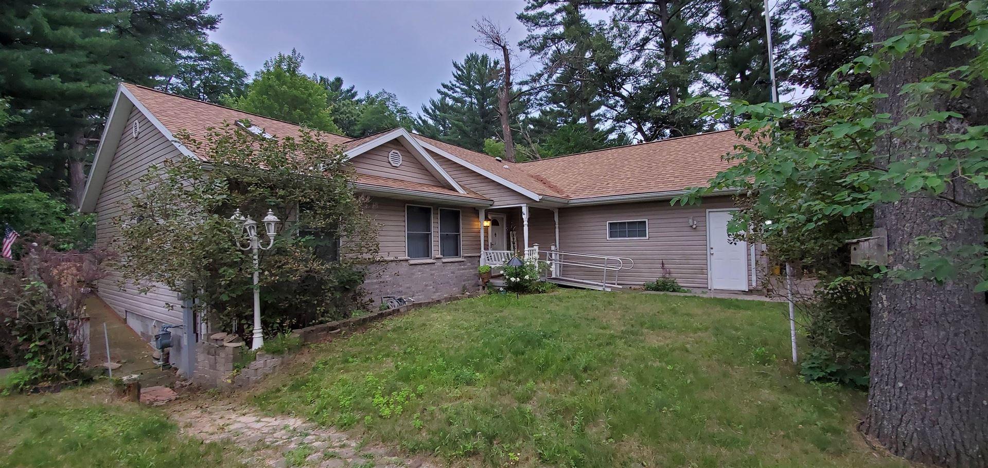 243 S Burritt Ave, Wisconsin Dells, WI 53965 - #: 1921400