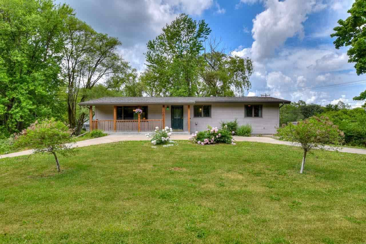 3159 View Rd, Madison, WI 53711 - #: 1911402