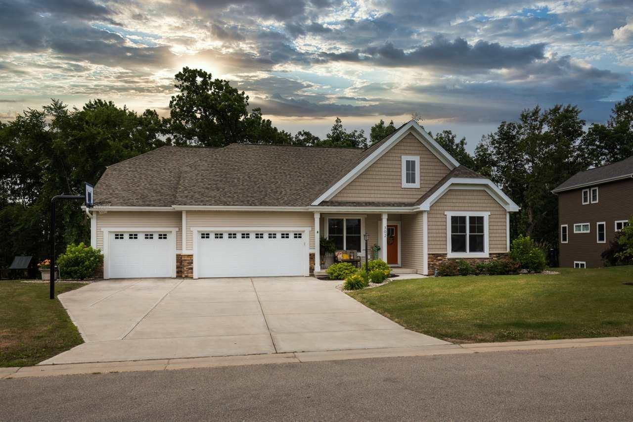 302 Erin Ct, Cottage Grove, WI 53527 - MLS#: 1888404