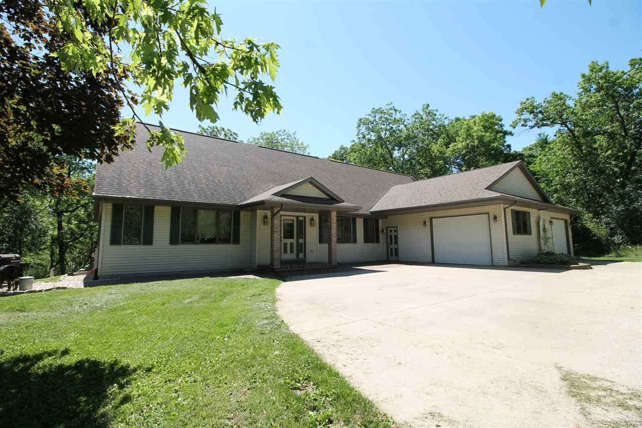 5417 N River Rd, Janesville, WI 53545 - #: 1885406