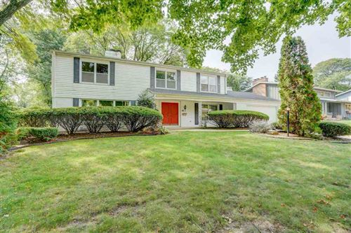Photo of 6325 Landfall Dr, Madison, WI 53705 (MLS # 1894410)