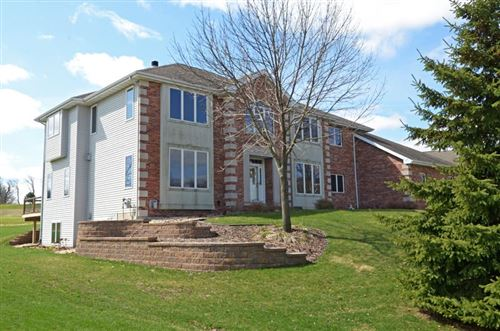 Photo of 1105 Red Tail Dr, Verona, WI 53593 (MLS # 1876411)