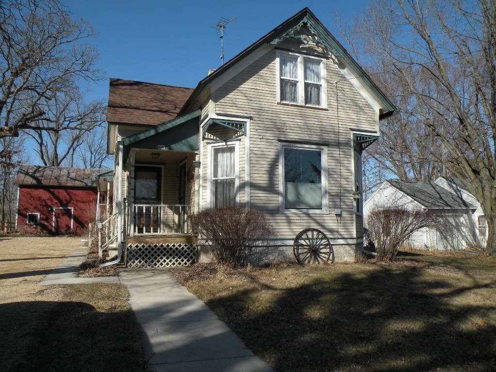 446 Lawrence St, Westfield, WI 53964 - #: 1902411