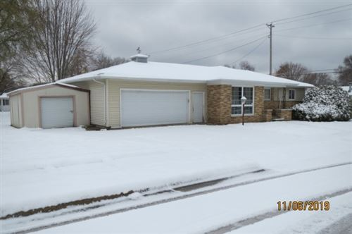 Photo of 812 Fairfield Dr, Beaver Dam, WI 53916 (MLS # 1874413)