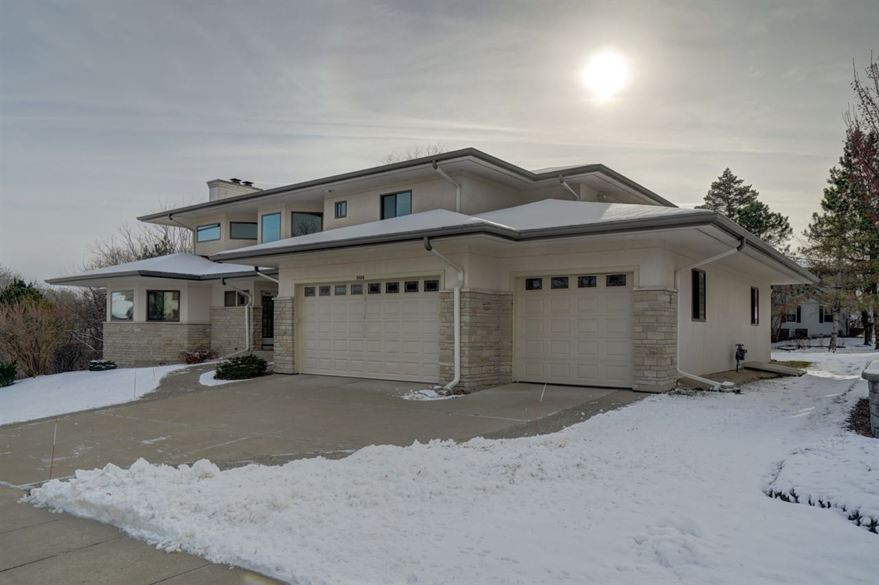 3928 Park View Dr, Janesville, WI 53546 - MLS#: 1899413